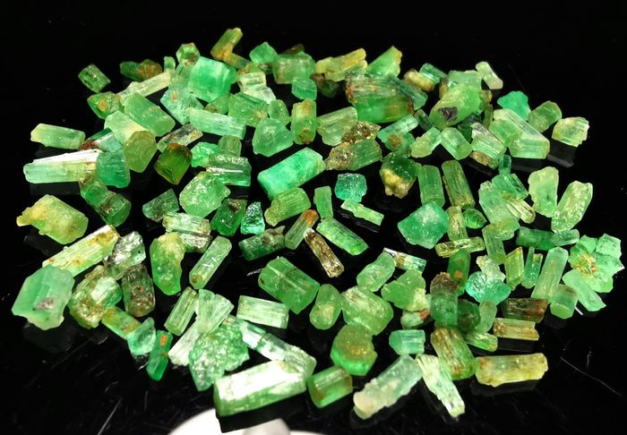 Panjshir Emerald Crystals - 43 ct - 8×7×4 mm - 8.6 g
