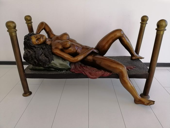 Coffee table, Figure, Sculpture, Side table - Patinated bronze