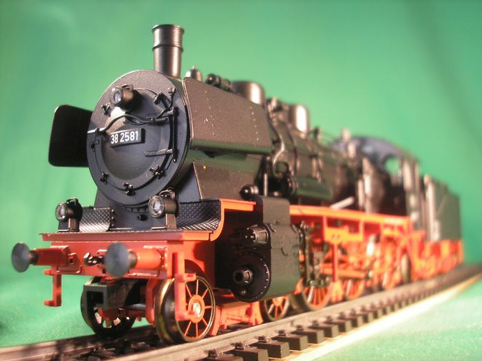Märklin H0 - 37030 - Steam locomotive with tender - BR 38 - DB