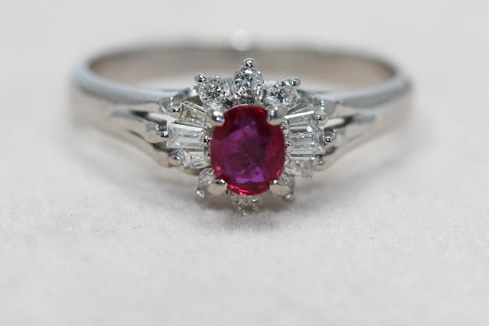 PT900 Platinum - Ring - 0.36 ct Ruby - Diamonds