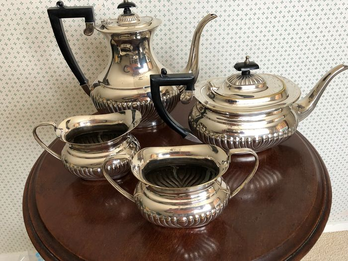 Coffee and tea service - Silverplate
