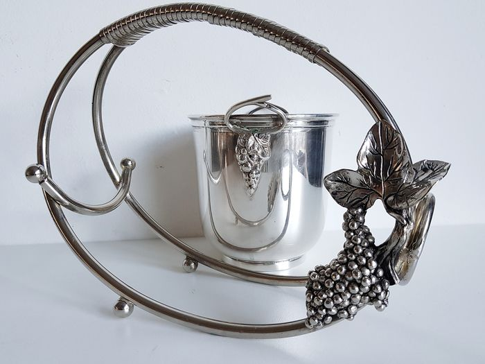 Wine pourer / bottle holder and ice bucket - Silverplate