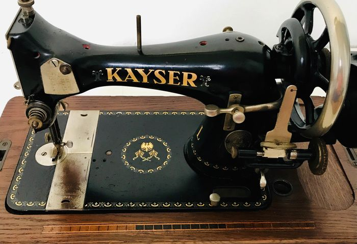 Kayser model L - Sewing machine, 1910s - Iron (cast/wrought), Wood