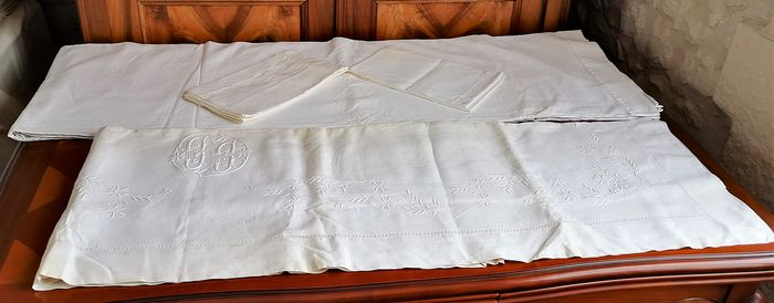 Old hand embroidered sheets with Initial GC + 2 pillowcases - Cotton - Early 20th century