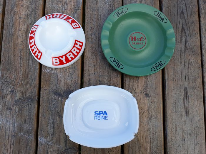 Publicity ashtrays (3) - Earthenware