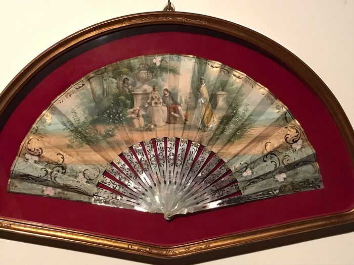 folding fan - Glass, Mother of pearl, Wood, papyrus - Early 19th century