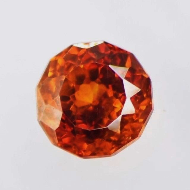 Rödaktig orange Zinkblände - 0.95 ct