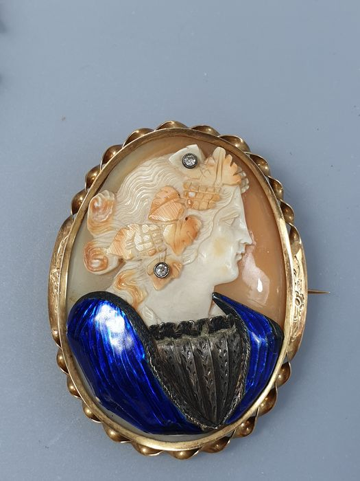 gold and silver - brooch