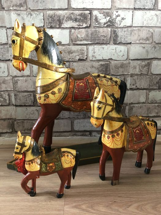 Decorative painted wooden horses - Wood