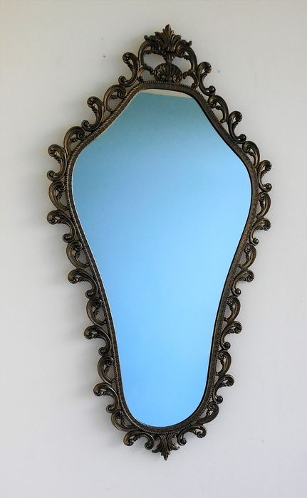 Beautiful large mirror - richly decorated with ornaments. - Copper / Brass / Glass / Wood
