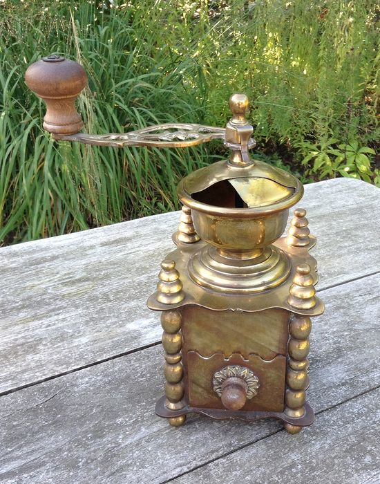 Coffee Grinder - Brass / copper
