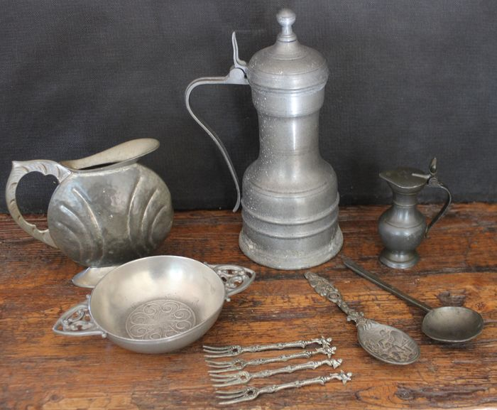 Jugs / dish / spoons / forks (10) - Pewter/Tin