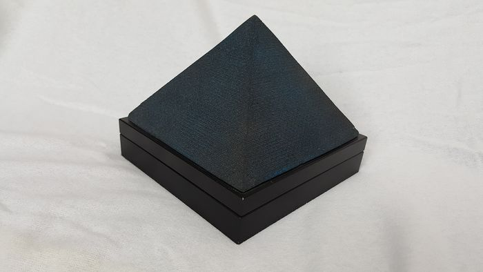 Pink Floyd - 3D Sandstone pyramide Dark site of the moon - Limited edition - 1996
