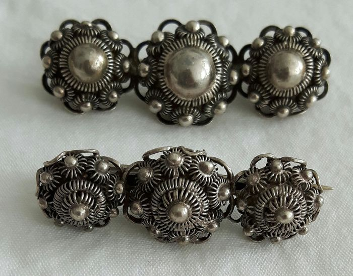835 Silver - Brooch 2 x Zeeland button