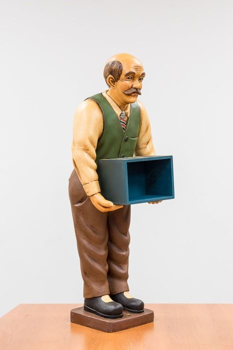 Man with storage box - 90 cm high - High-quality synthetic material
