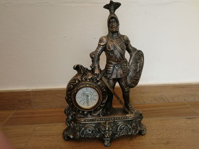 Tabletop clock - Metal - 1950 - 1960 Soldier with armor