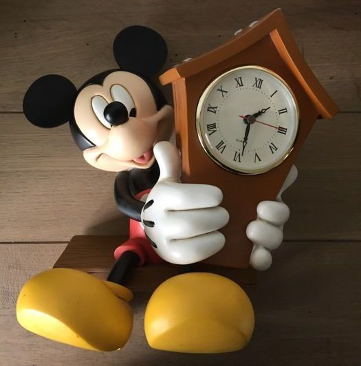 Walt Disney  -    Mickey Mouse met klok