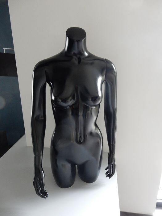Hans Boodt  - bust-torso mannequin - Contemporary - Resin/Polyester