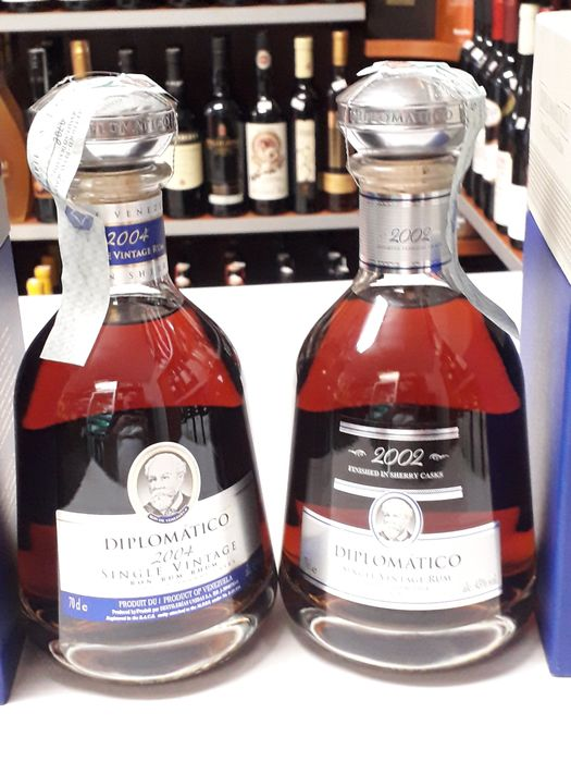 Diplomático 12 years old - Single Vintage 2002 & 2004. - 70cl - 2 bottles