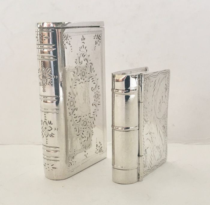 2 silver boxes: 1 tinder box + 1 loderein or pill boxes in the shape of a book - .835 silver, .925 silver - Netherlands - Second half 20th century