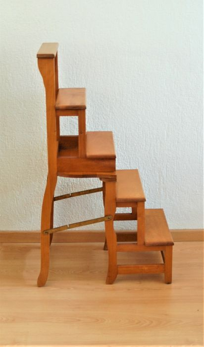 JWD - Library chair that can be turned into a staircase