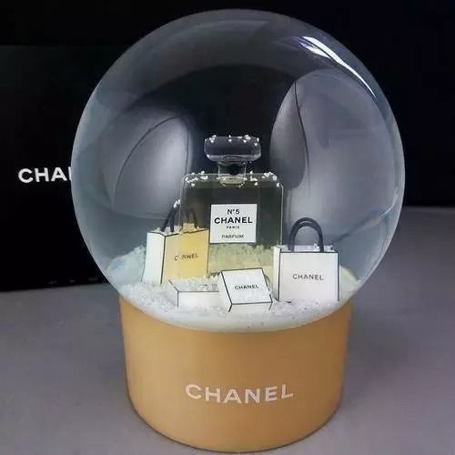 Chanel - snow globe with bags and boxes, collectors item