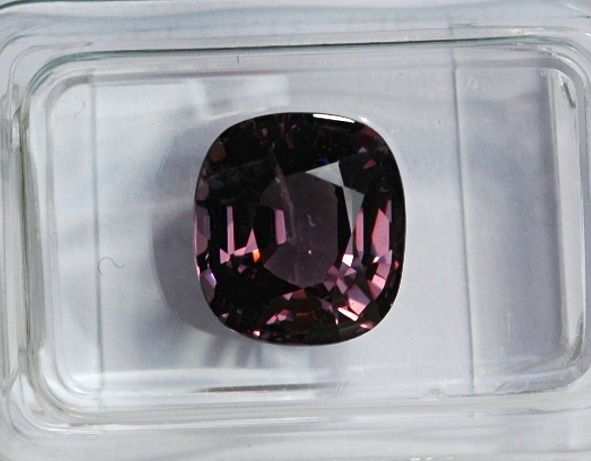 lila Spinell - 3.58 ct
