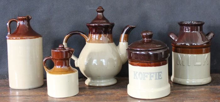 Brocante kitchen pots / jugs (5) - Ceramic