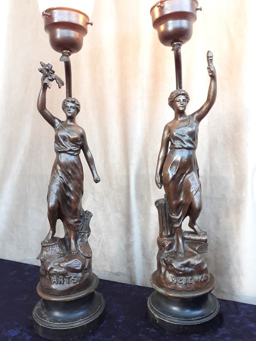 """ Arts and Science "" - Set of 2 French ""Mythological figures"" Image lamps Approx. 60 cm - Zamac / glass"