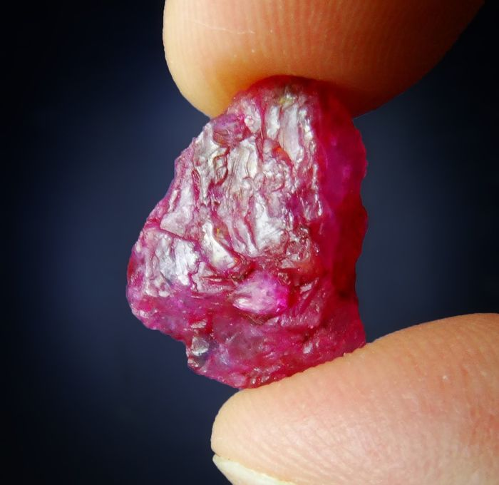 Red Ruby Lustrous Crystal - 1.9×1.4×1 cm - 2.78 g