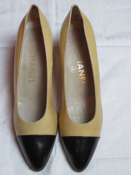 Chanel Loafers - Size: FR 38.5