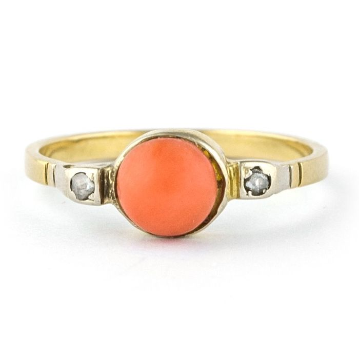 Antique - 18 kt. Yellow gold - Ring Red Coral - Diamonds