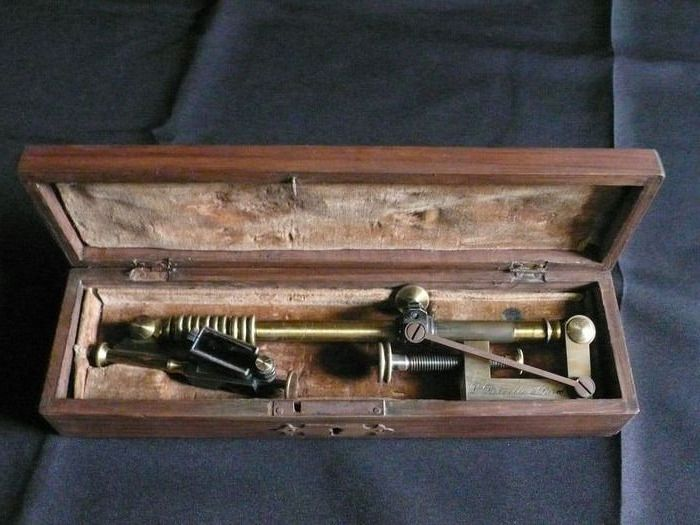 Camera Lucida - Brass, Glass - End 19 / early 20th.