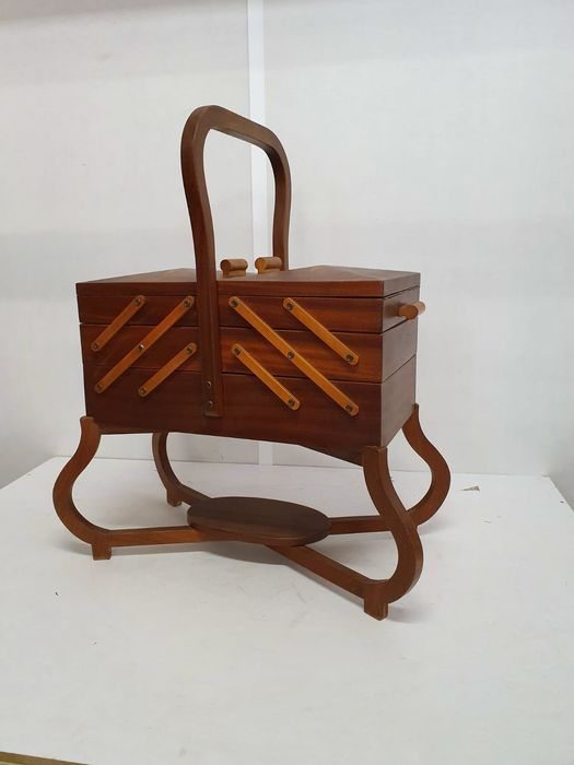 Beautiful unique vintage sewing box sewing box - Wood