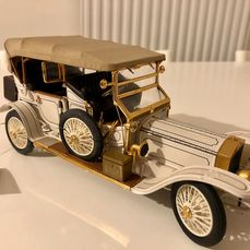 Franklin Mint - 1:24 - 1911 Rolls-Royce Tourer - Avec certificat - Extremely detailed model consisting of 106 different components - with 24-carat gold