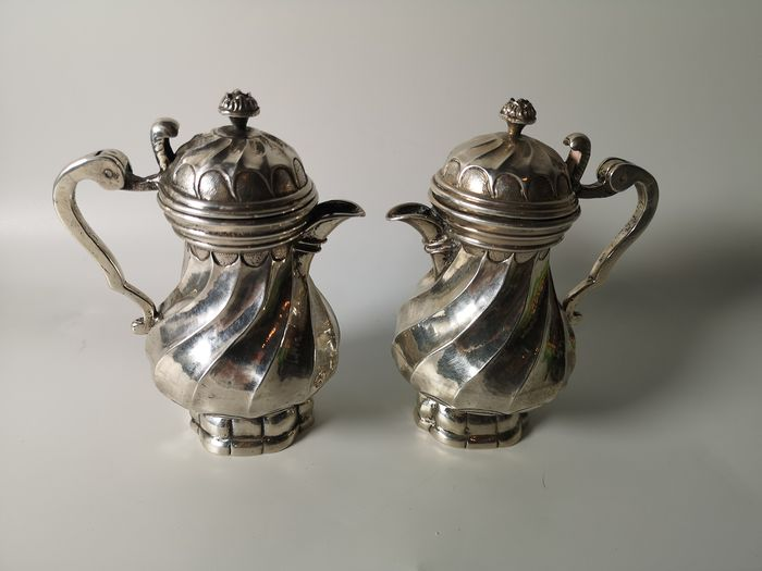 Mass ampoules for water and wine (2) - Silver - Probably Germany - Second half 18th century
