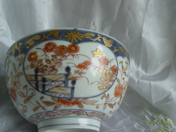 Bowl - Imari - Porcelain - Japan - 18th century