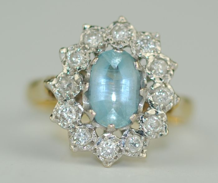 Diamond Halo (0.30ct) & Aquamarine (1.1ct) - 18 kt. Yellow gold - Ring