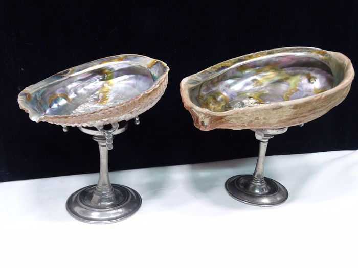 Abalone seashell on a pewter foot (2) - shell / tin