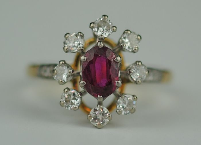 LOT 271 Diamond & Ruby  - 18 carats Or jaune - Bague