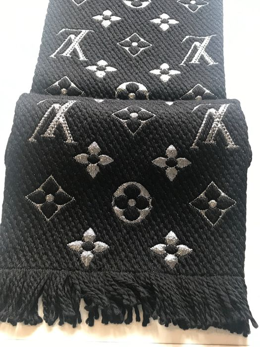 Louis Vuitton - Logomania Shine - Scarf