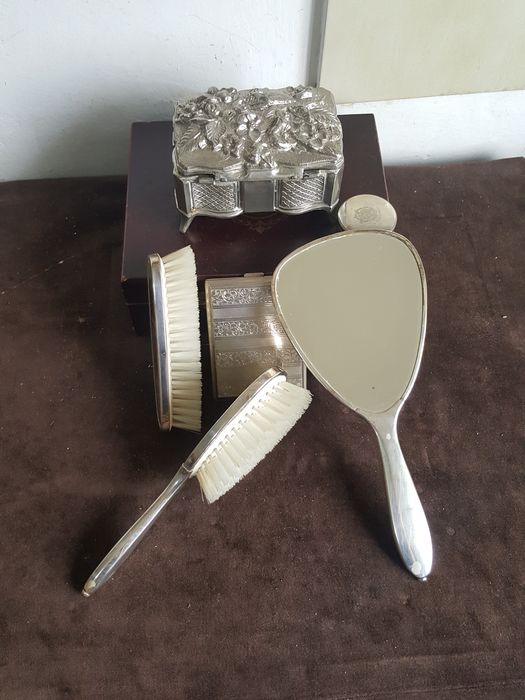 hand Made - Hand mirror, Jewellery box, Pill box, Snuff box (6) - Victorian - Silver plated