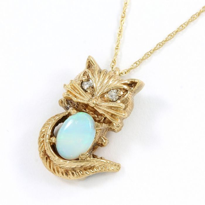 10k Yellow gold - Antique  Necklace  - 0.03 ct Diamond - Opal