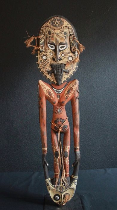 Hook figure (1) - Wood - Tambanum, Central Sepik, Papua New Guinea