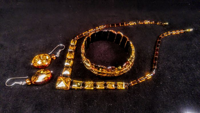 Green colour Amber - Bracelet, Earrings, Necklace - Natural (untreated)