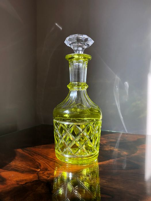 Val Saint Lambert - antique decanter, type 'Gondole' (colour: yellow). Good condition (1) - Crystal