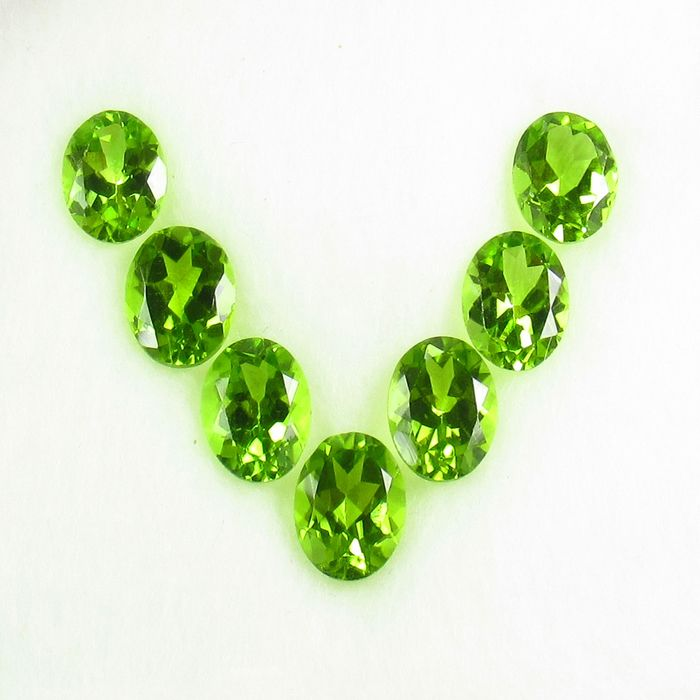 7 pcs  Peridot - 9.63 ct