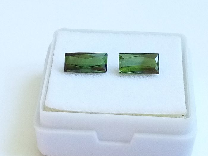2 pcs Green Tourmaline - 1.70 ct