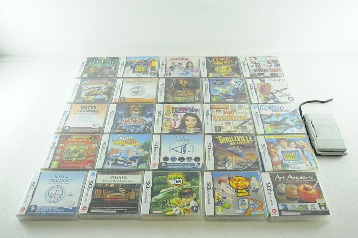 1 Nintendo DS - Nintendo DS w/ 25 Games eg Thrillville, Narnia, Ben 10 and more (25) - In original box