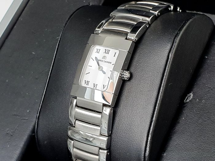 Maurice Lacroix - Classic Dress luxury watch in very good condition  - m12012 - Dames - 2011-heden